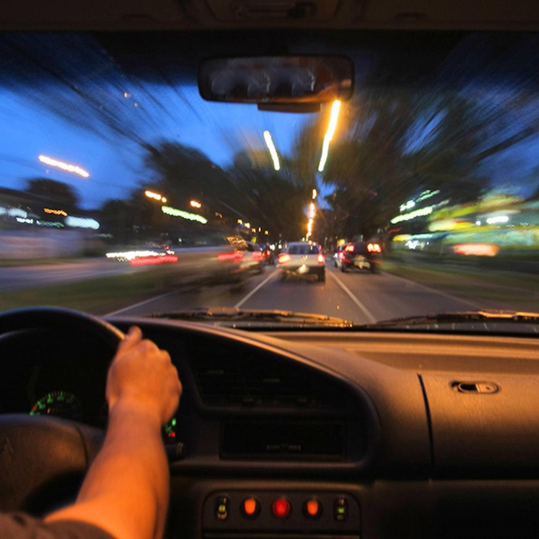 http://4newsmagazine.com.br/sites/default/files/transito-a-noite.jpg